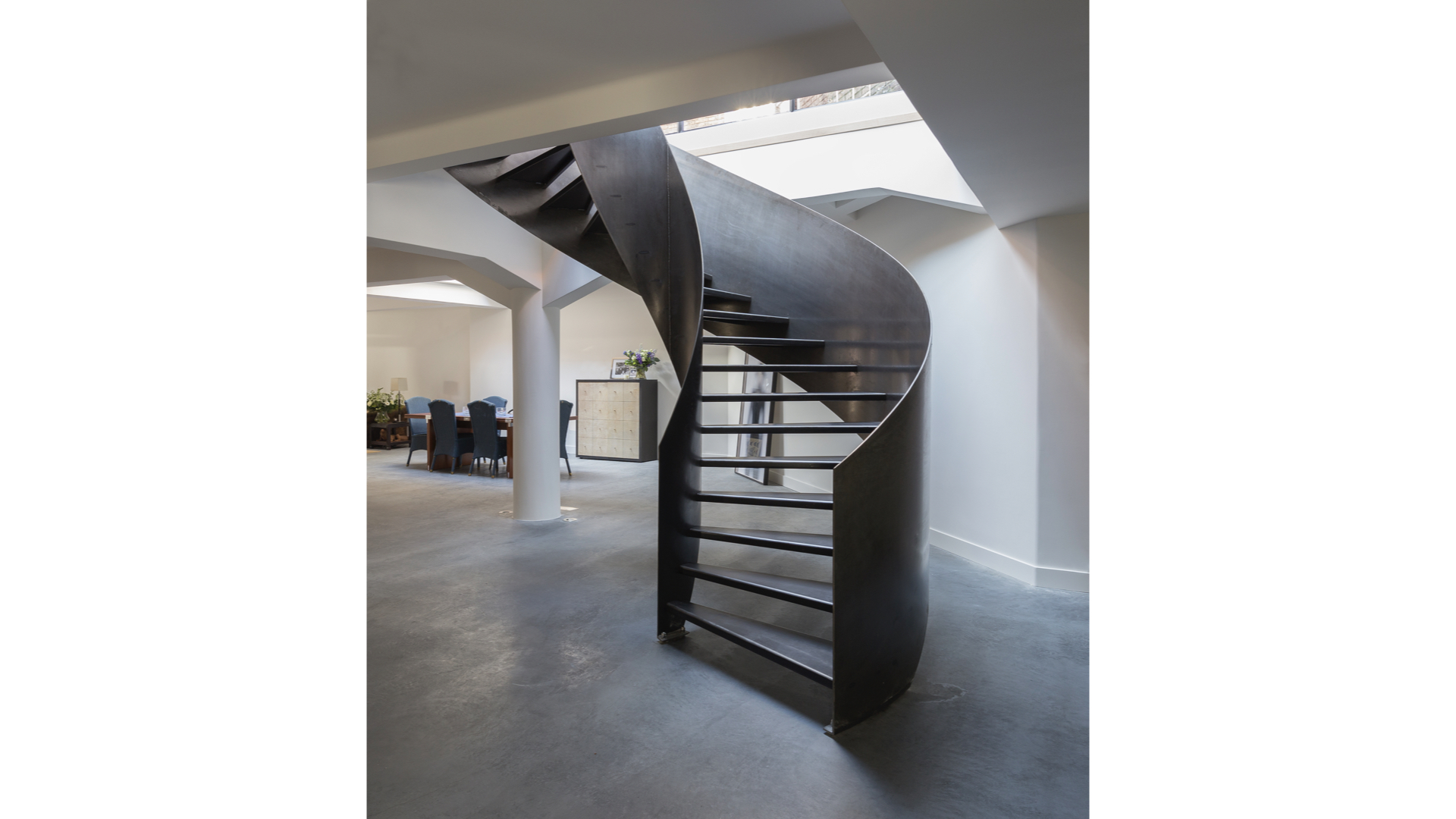 Curved Raw Steel Staircase ii | © Bernardo Guillermo Studio