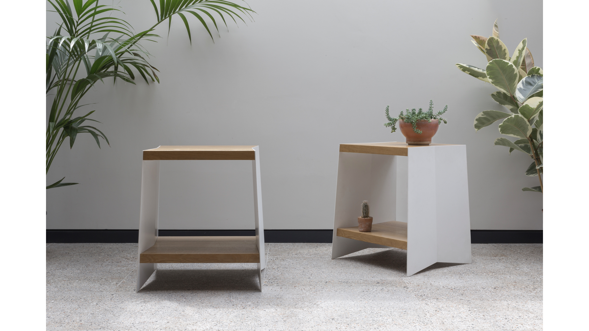 Fold End-Table i | © Bernardo Guillermo Studio