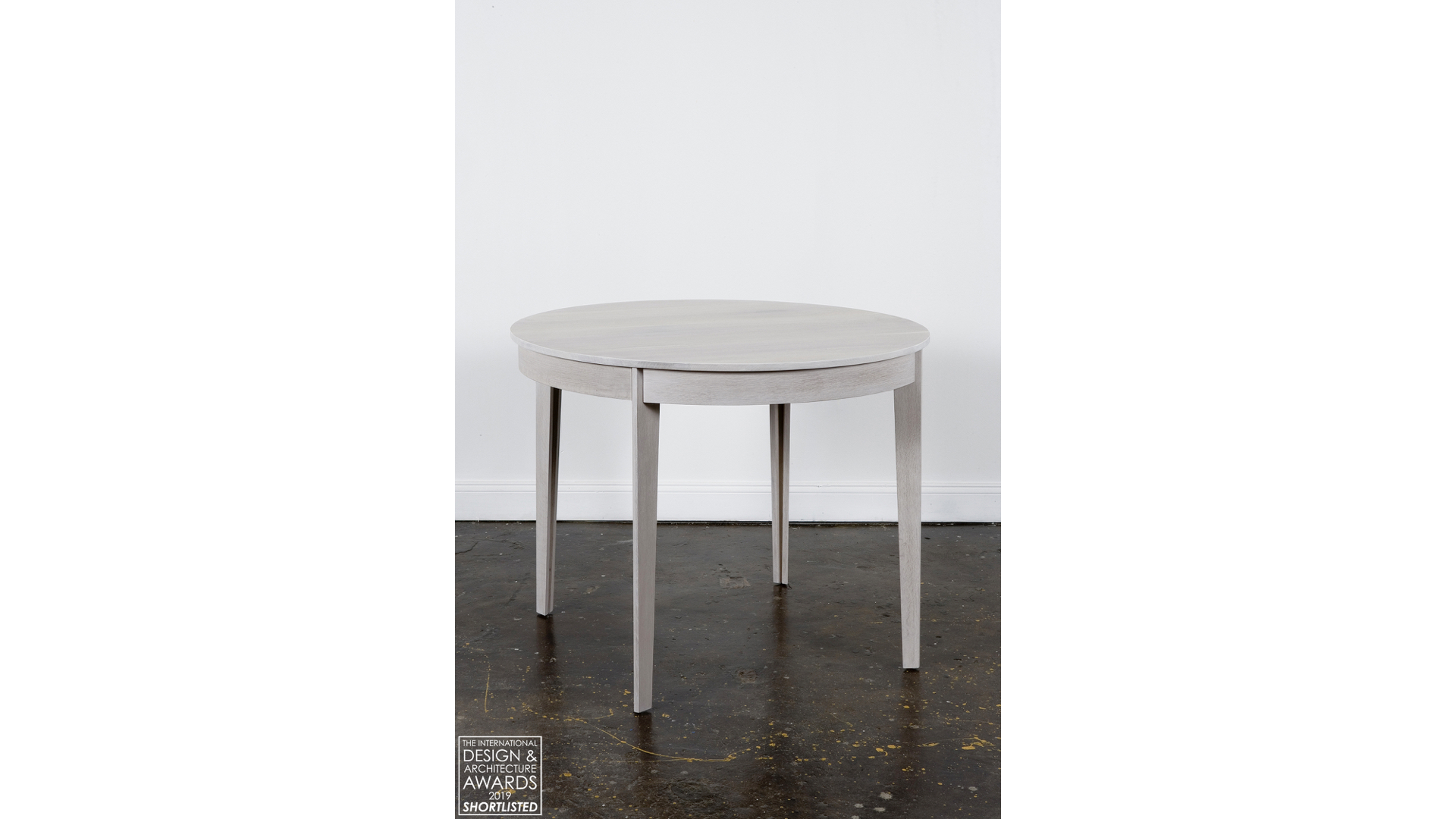 Melissa Table i | © Bernardo Guillermo Studio
