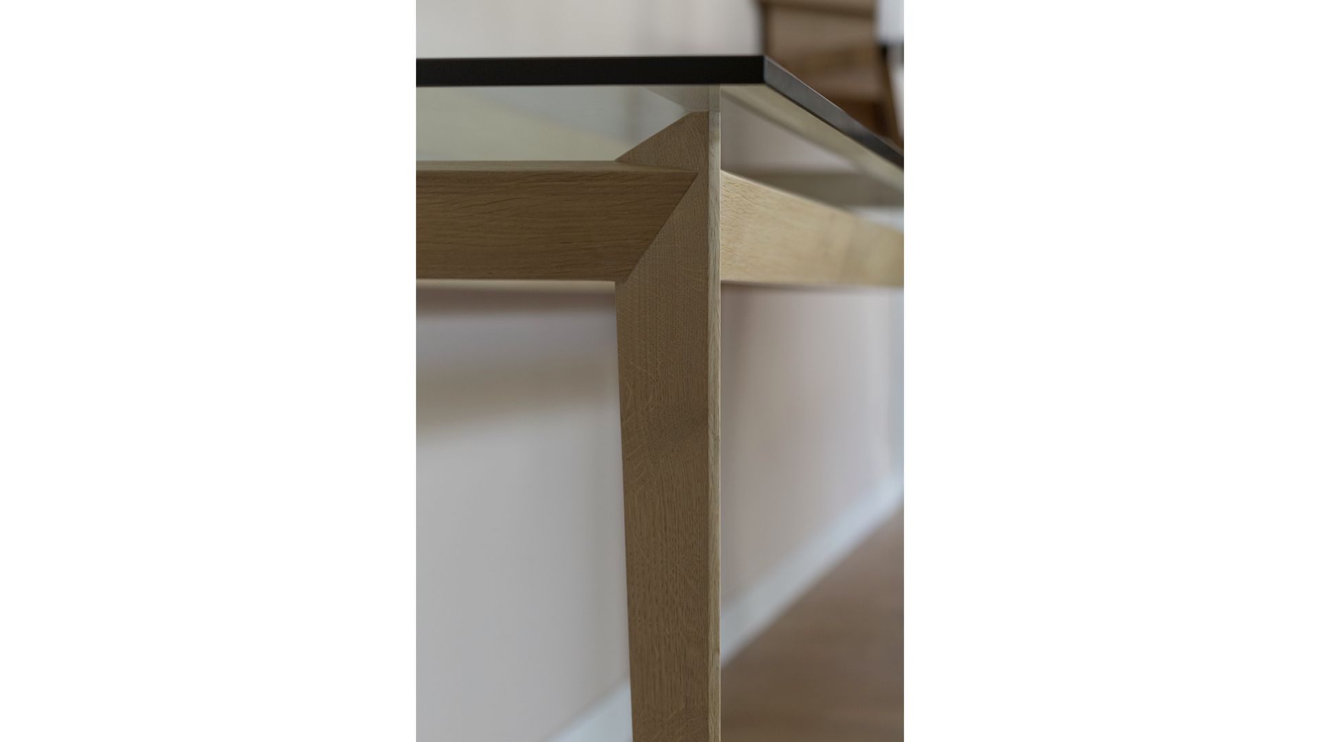 Monti Console Table iv | © Bernardo Guillermo Studio