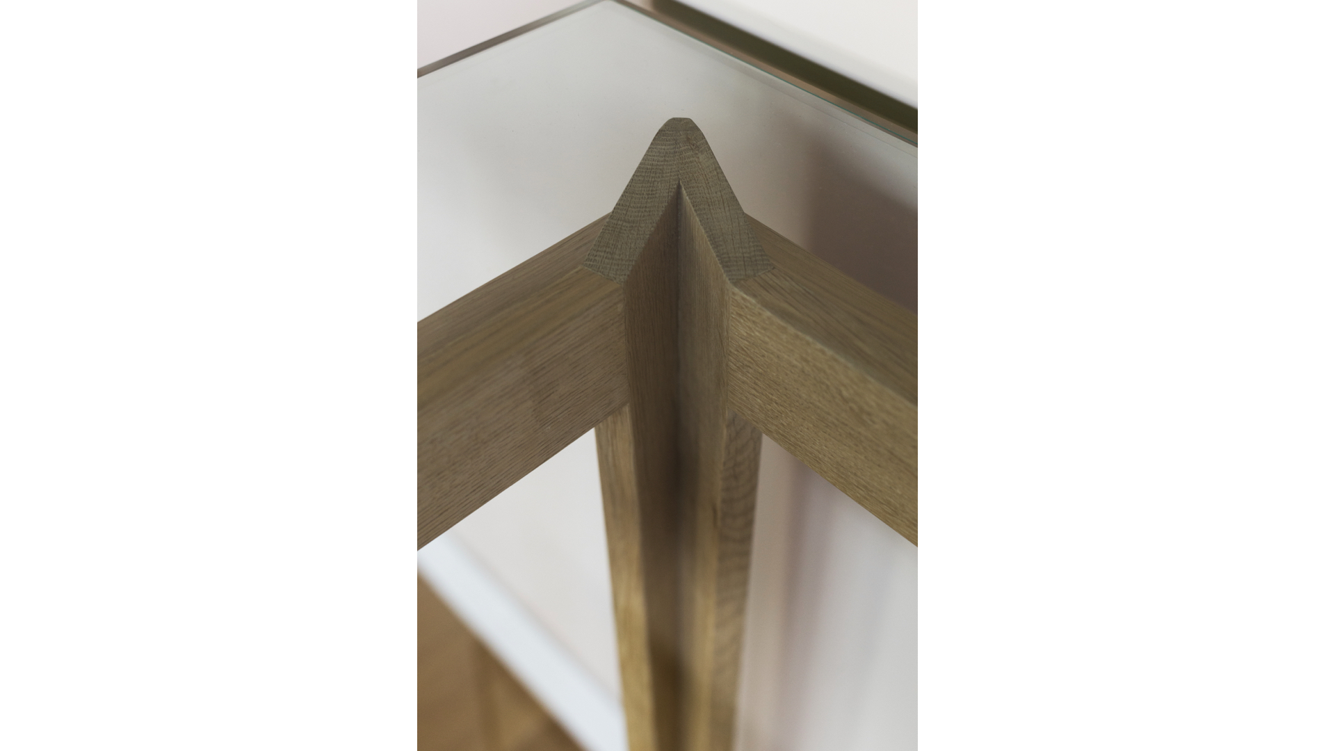 Monti Console Table v | © Bernardo Guillermo Studio