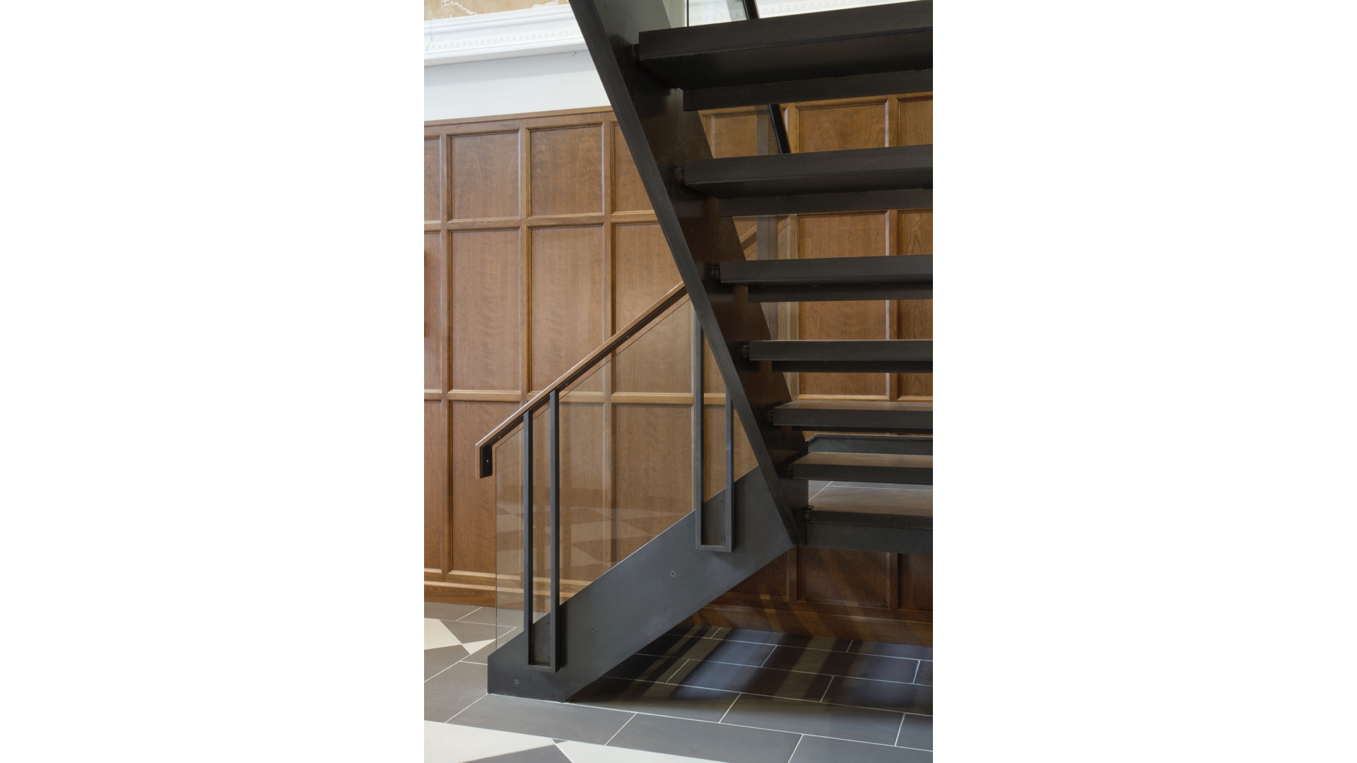 Steel and Glass Staircase iii | © Bernardo Guillermo Studio