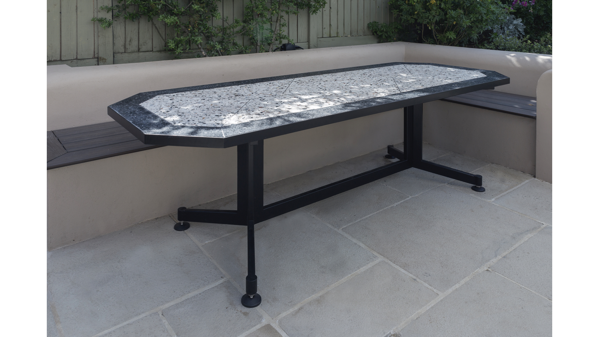 Terrazzo Outdoor Dining Table i | © Bernardo Guillermo Studio