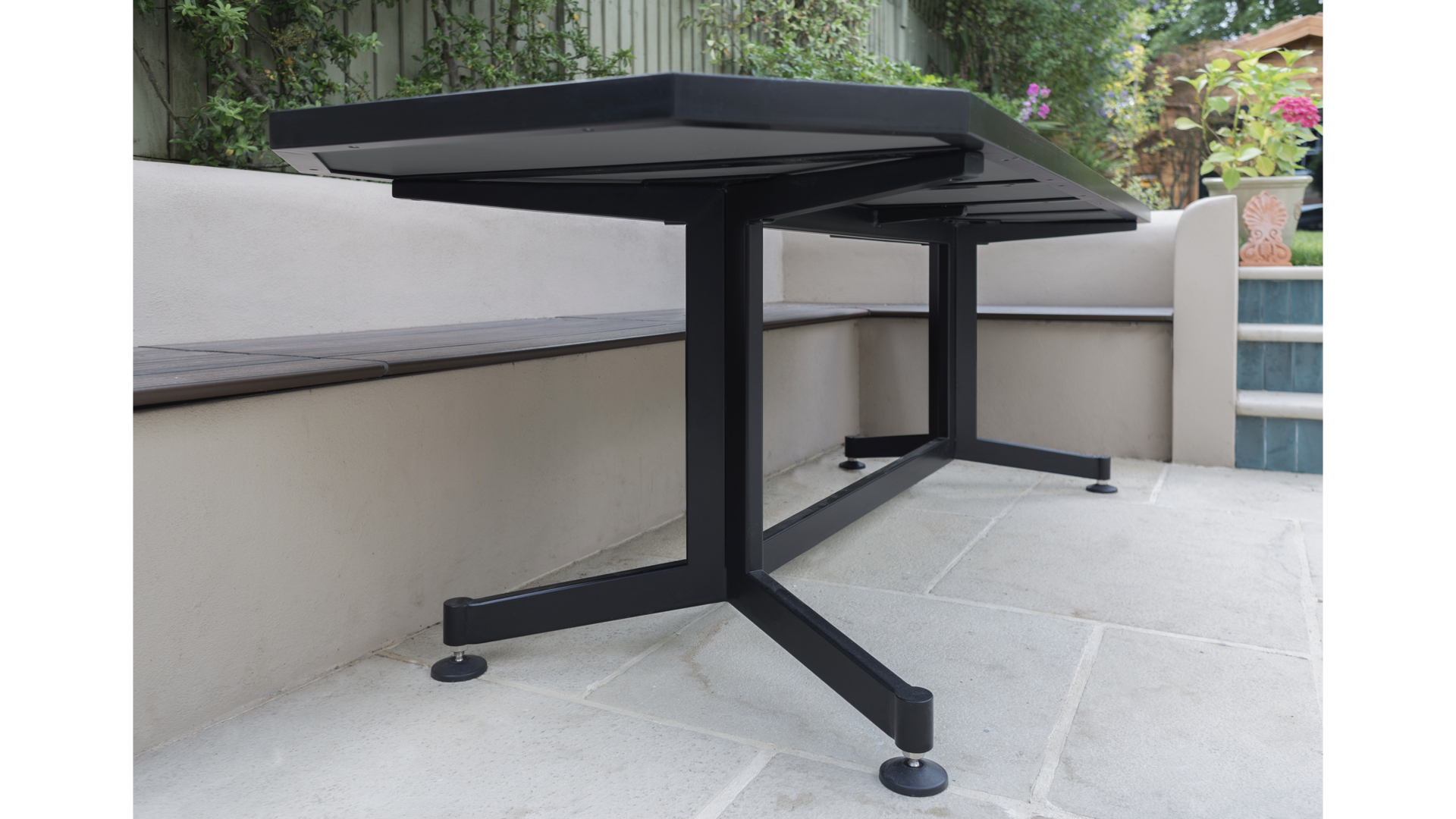 Terrazzo Outdoor Dining Table iv | © Bernardo Guillermo Studio